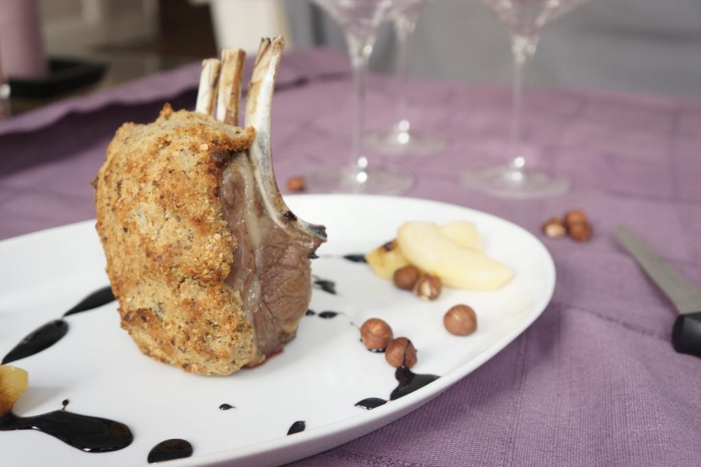 carre agneau croute noisettes toque et tablier