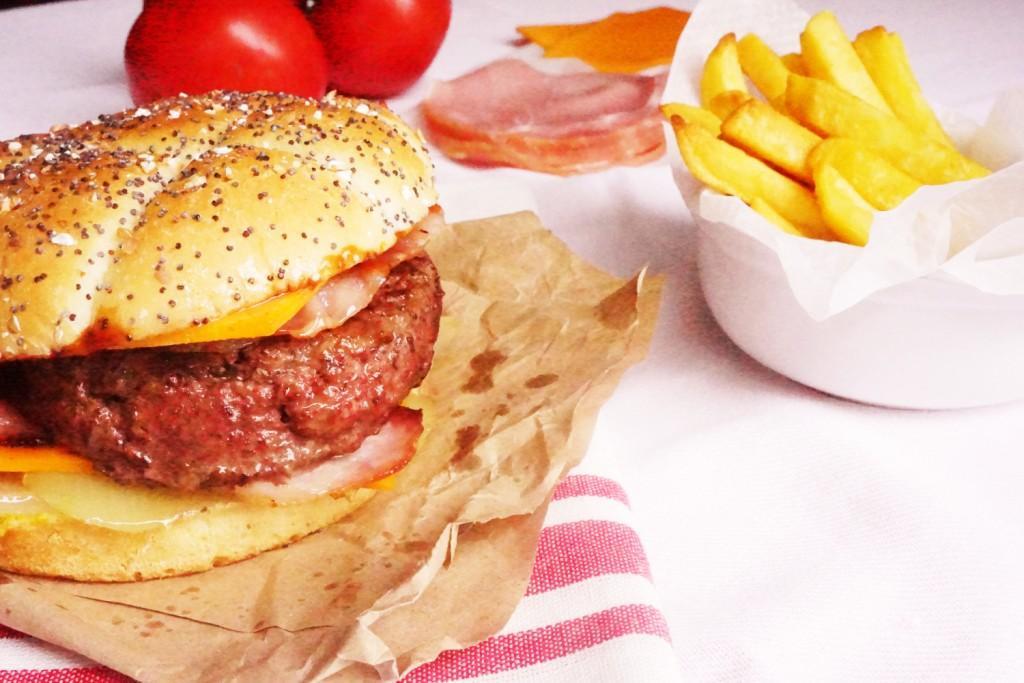 barbecue american cheeseburger toque et tablier