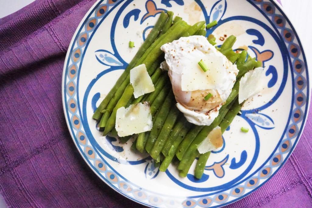 haricots verts oeufs poché parmesan toque et tablier
