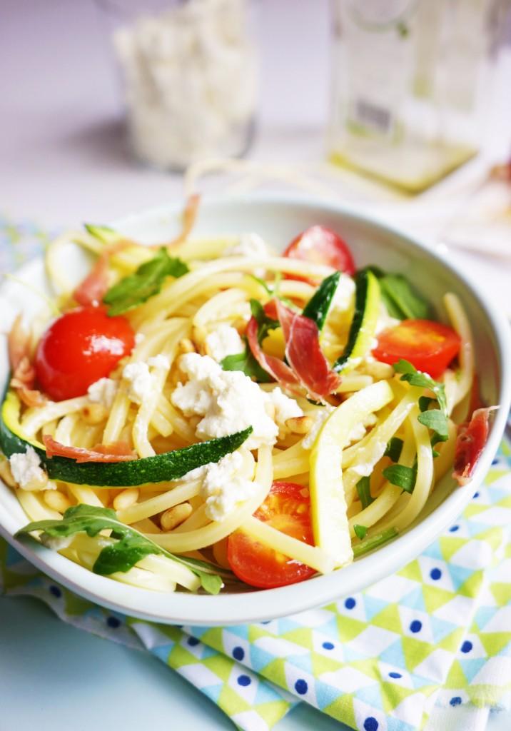 salade-de-pates-aux-courgettes-et-ricotta-toque-et-tablier