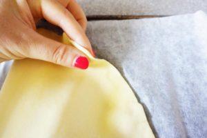 chausson-champignon-fromage-toque-et-tablier