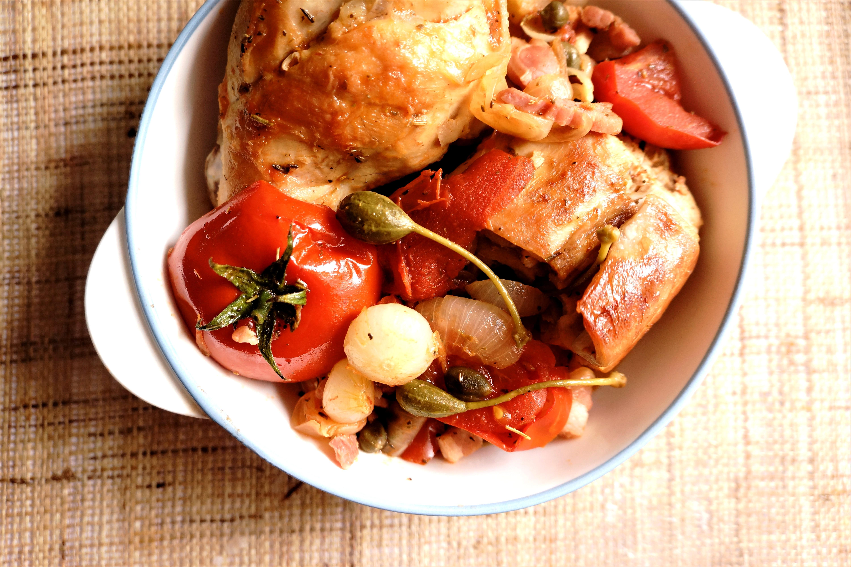 lapin tomates et capres toque et tablier